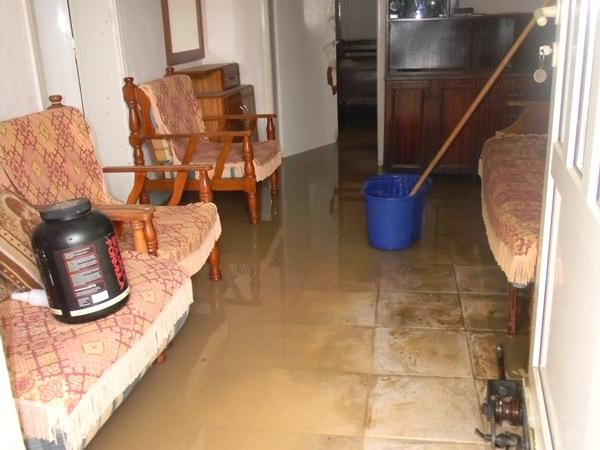 Αγκαθιά, πλημμυρισμένο σπίτι 1