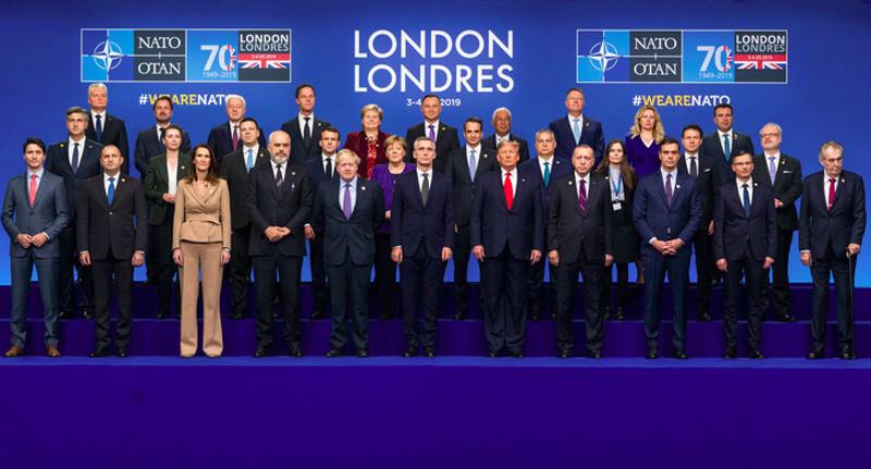 """""""Οικογενειακή"""" φωτό και κοινό κείμενο για το ΝΑΤΟ..."""