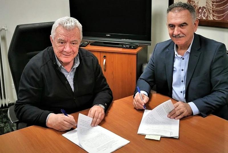 Υπογράφτηκε σύμβαση μεταξύ Δήμου Αλεξάνδρειας και ΑΝΗΜΑ Α.Ε. για την Κινητή Βιβλιοθήκη