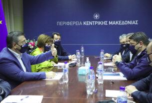 Κορωνοϊός: έκτακτη σύσκεψη με συμμετοχή Τζιτζικώστα, Χαρδαλιά και αυτοδιοικητικών στην ΠΚΜ