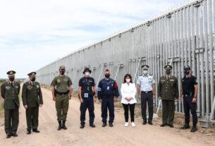 Ο φράχτης, η Πρόεδρος και τα όρια