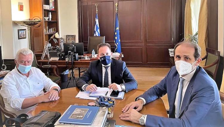 Στον Πέτσα Γκυρίνης και Βεσυρόπουλος – συζητήθηκαν αποχετευτικό και προτάσεις του Δήμου