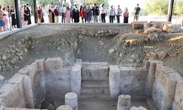 Εγκαινιάστηκε το Αρχαιολογικό Πάρκο της Νεκρόπολης των Αιγών